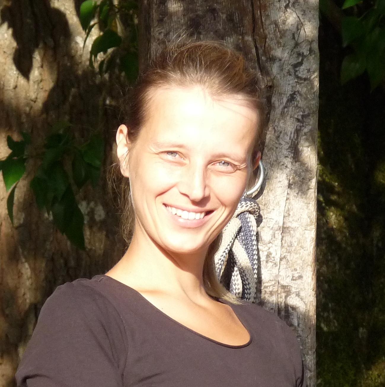 Karine Vandenborre - HorsefulnessTraining.com